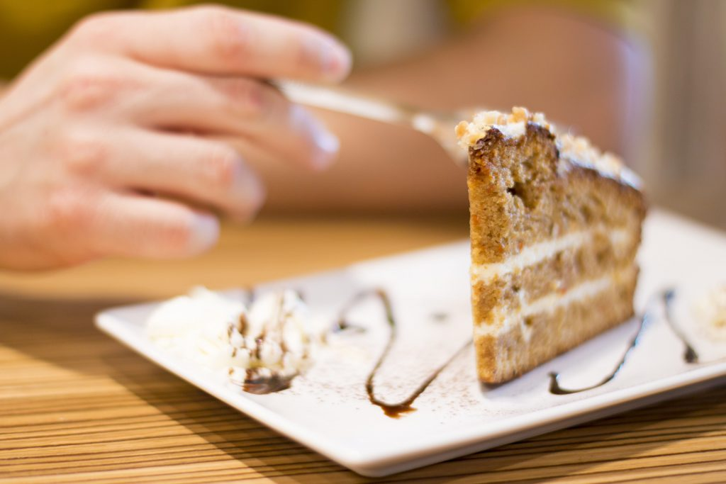 Schilddrüse Hunger Hashimoto Morbus Basedow Appetit Essen